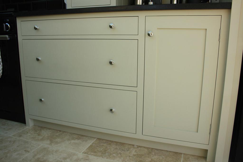 shaker painted kitchen