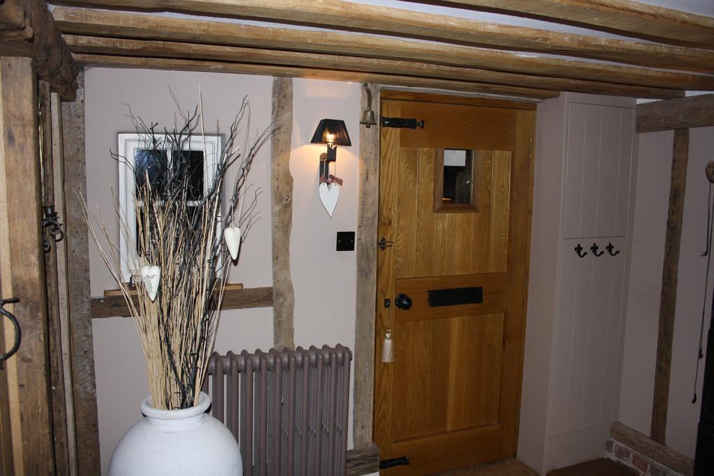 oak front door vertical boards to external face