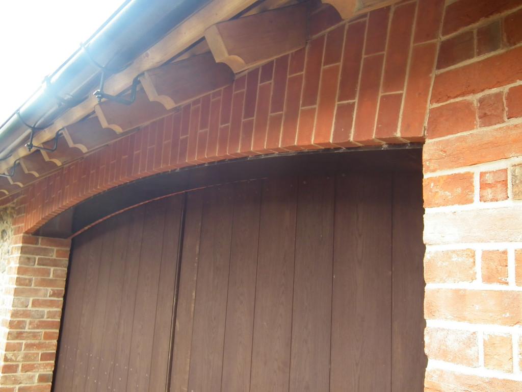 oak gate & roof detail