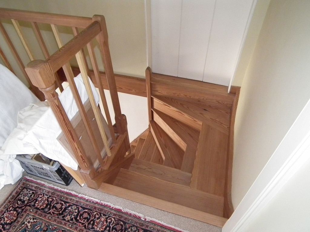 pitch pine staircase refurshiment