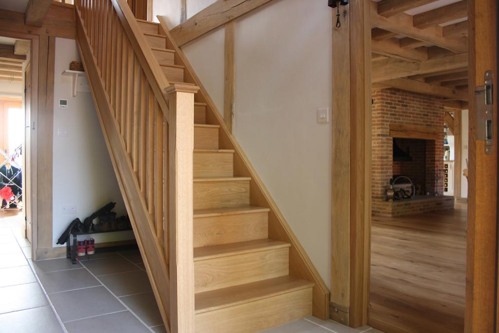 purpose made oak staircase (2)
