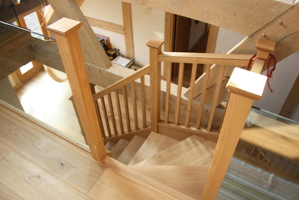 purpose made oak winder staircase (6)