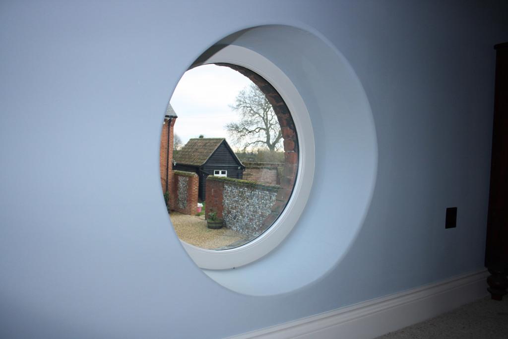 round window 2
