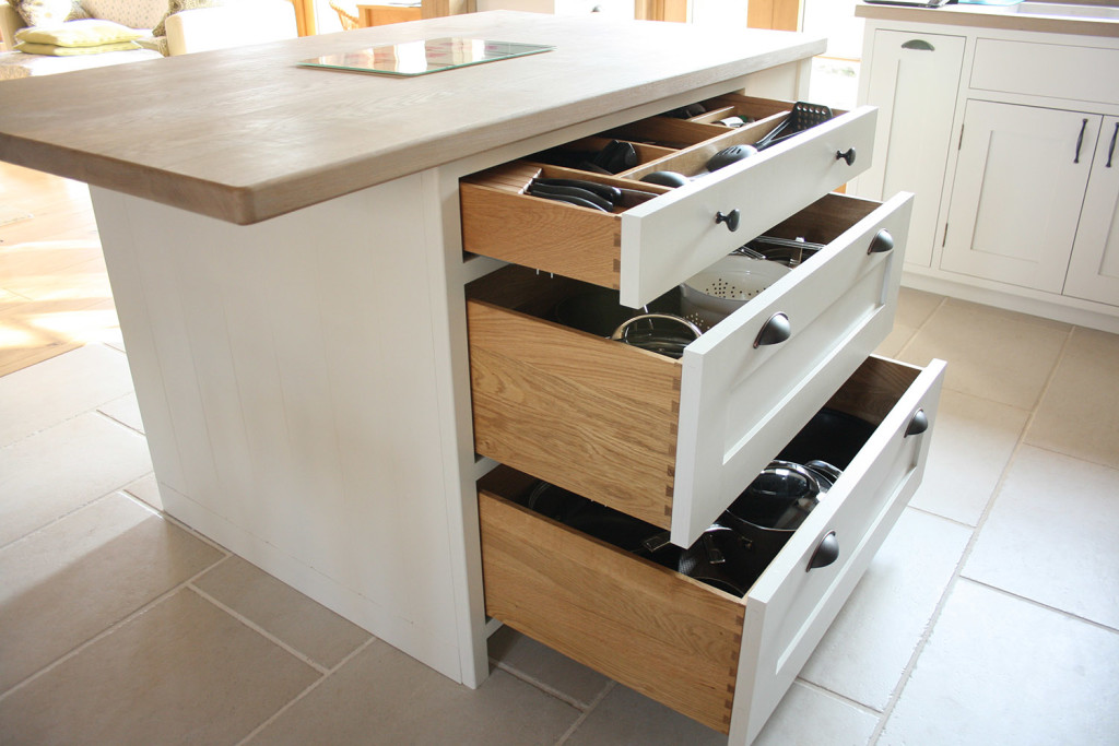 island unit with pan drawers