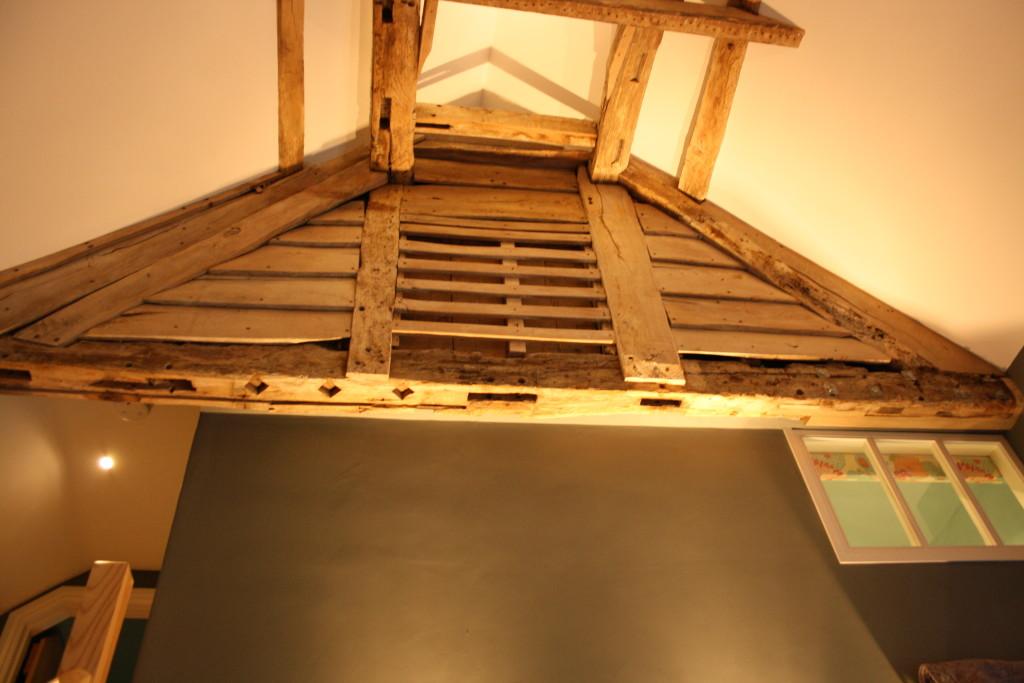 Interior oak beam refurbishment