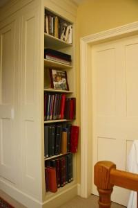 purpose made bookcase (2)